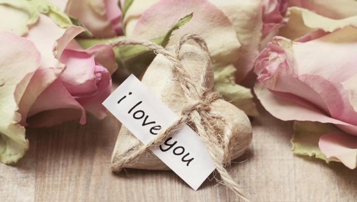 Idée Cadeau Saint-Valentin Unique Et Romantique