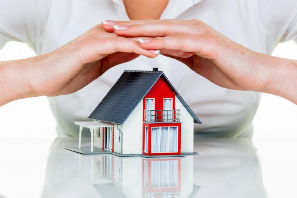 Propriétaire immobilier : faut-il souscrire une assurance habitation ? (maison VS immeuble)