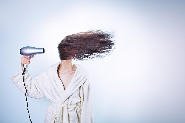 6 questions à se poser pour faire pousser ses cheveux plus vite
