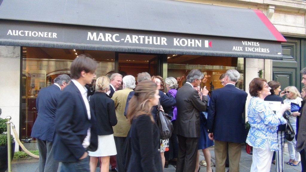Tout savoir sur Marc-Arthur Kohn, le commissaire-priseur de Paris