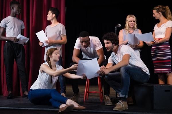 Quelques bénéfices des cours de théâtre