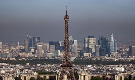 Pourquoi Paris est-il un lieu privilégié pour les affaires et les opportunités de travail?