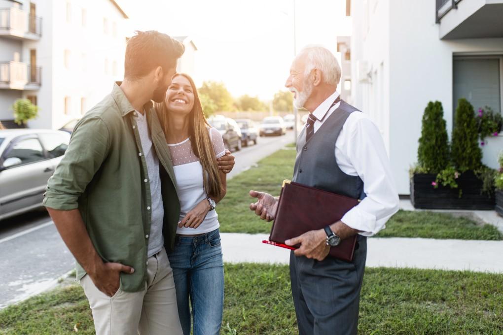 Les agents immobiliers traitent-ils d'immeubles locatifs?