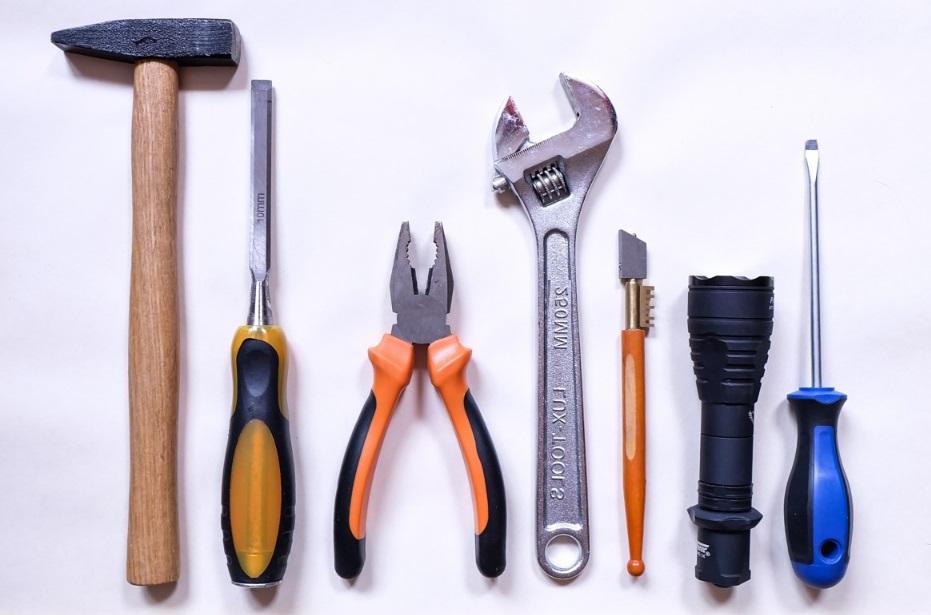 Idées cadeaux: six outils indispensables pour le bricoleur
