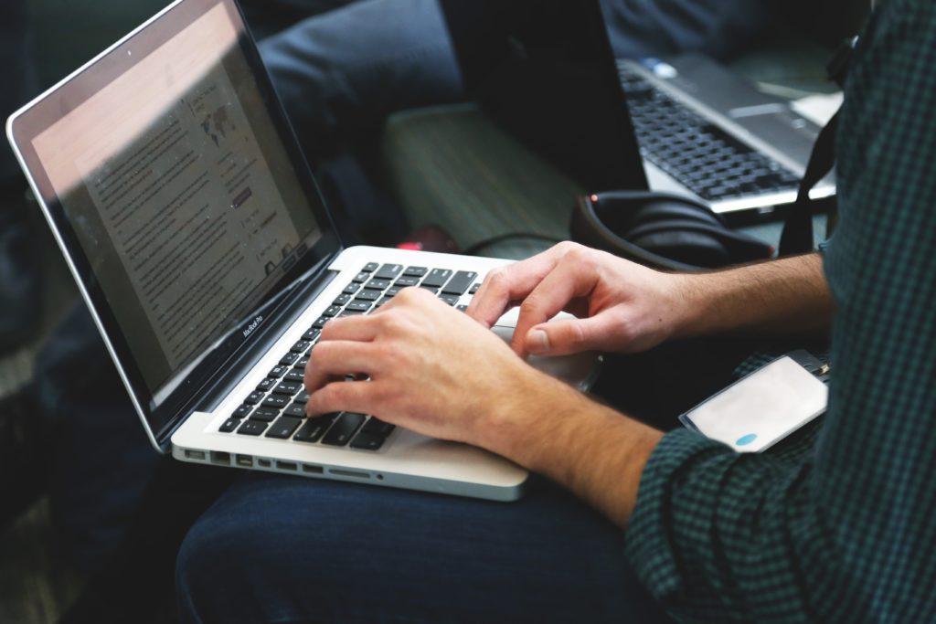 Rédacteur pour sites de casino en ligne, un métier qui a de l'avenir