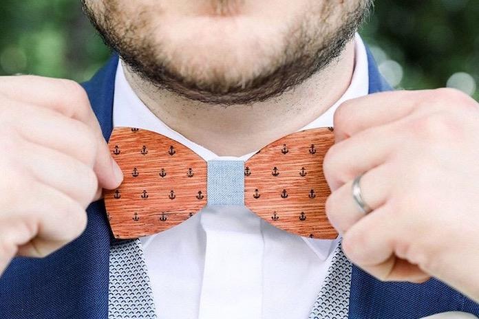 Comment choisir un noeud papillon en bois?