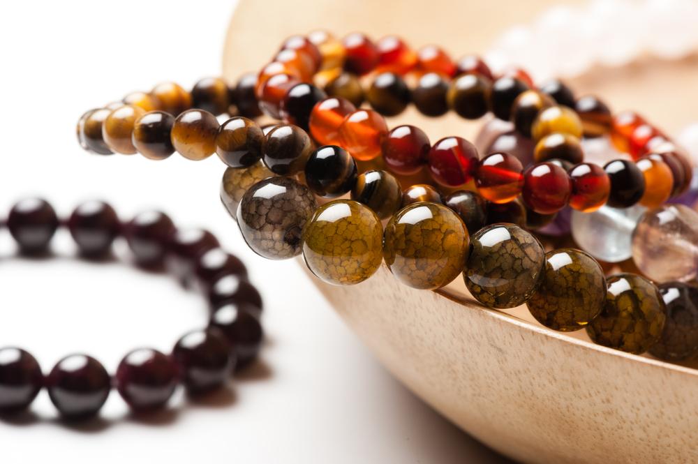 D'où proviennent les pierres naturelles de vos bracelets ?