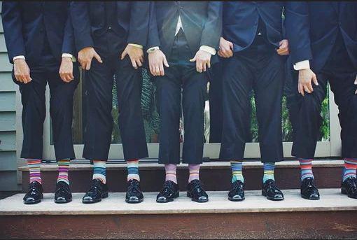 Comment porter les chaussettes et collants résilles sans faire vulgaire ?