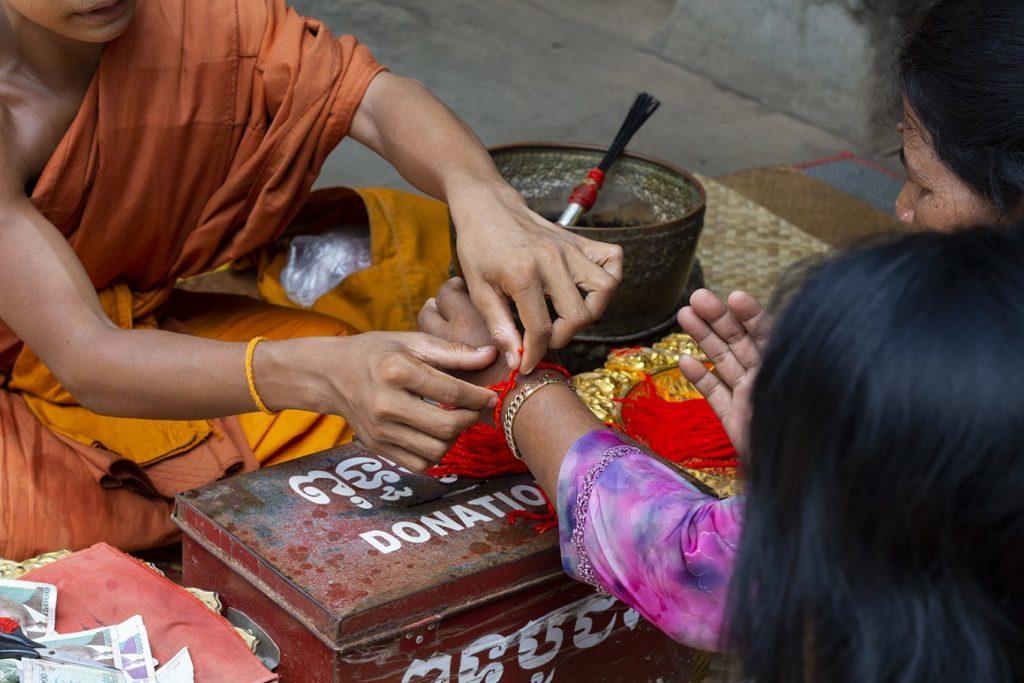 4 Raisons Pour Lesquelles Vous Devez Porter Des Bracelets À Cordes Tibetain