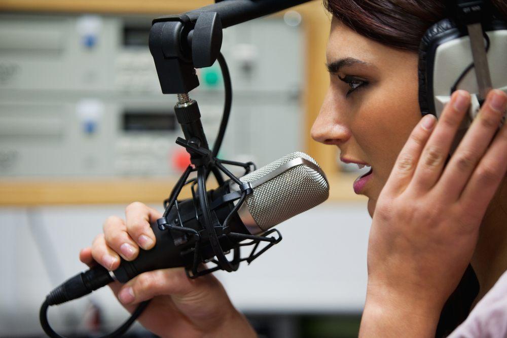Faire recours à la voix off pour tous vos projets audio