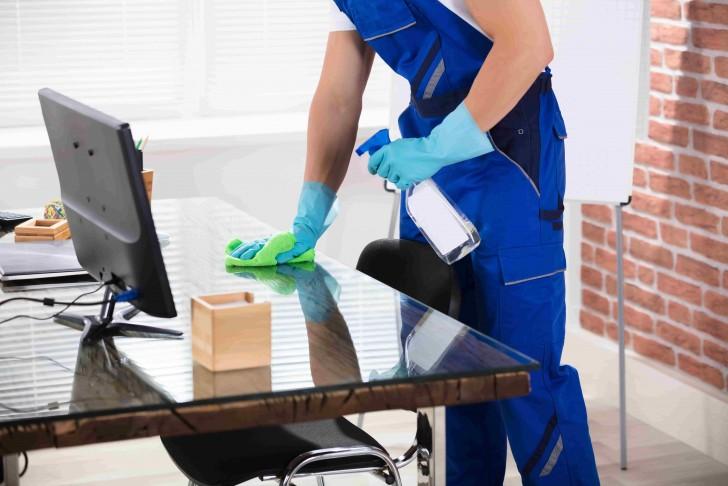 Comment choisir une entreprise pour le nettoyage de vos bureaux