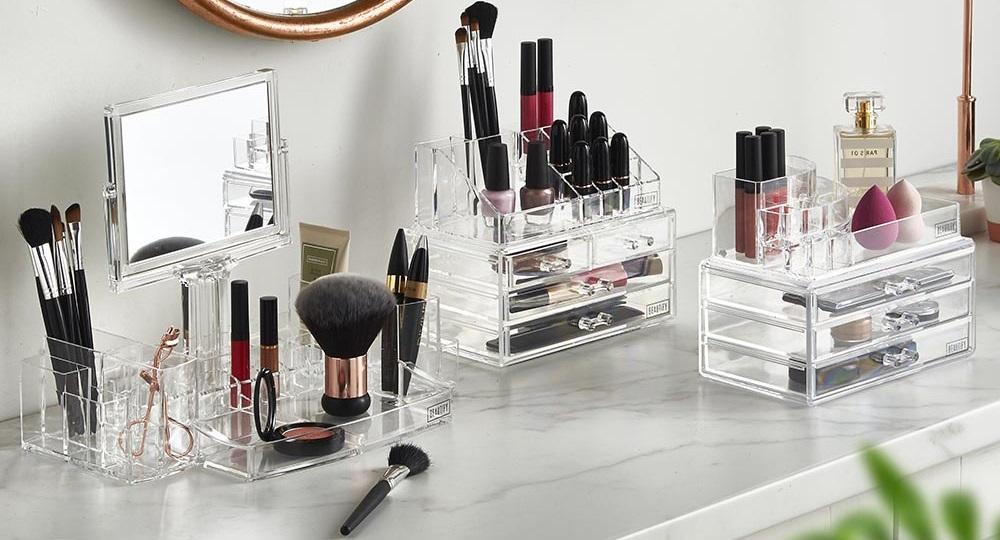 L'importance d'avoir un organisateur de maquillage