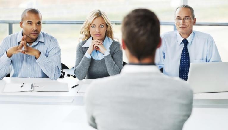 Comment vous préparez-vous à votre entretien d'embauche ?