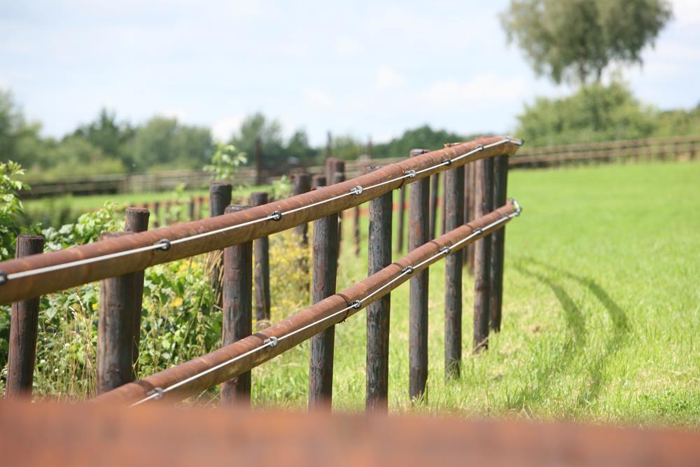 Faut-il poser sa clôture sois même ou faire appel à un professionnel ?