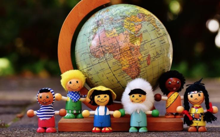 Quel rapport y a-t-il entre la culture du bilinguisme et le développement mondial ?