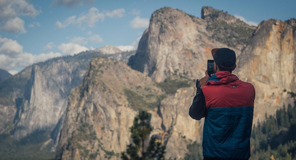Pourquoi opter pour des photographies de montagne pour sa décoration ?