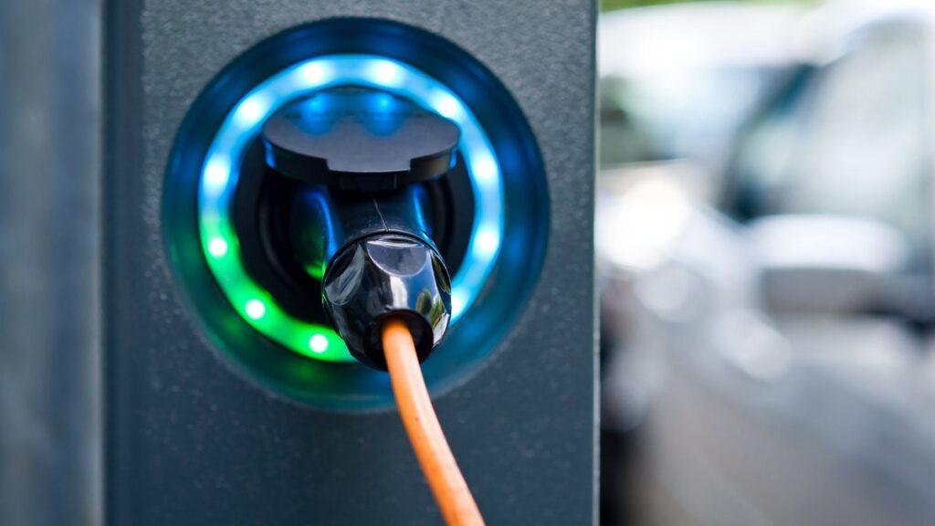 Quels sont les avantages d'installer une borne de recharge électrique ?
