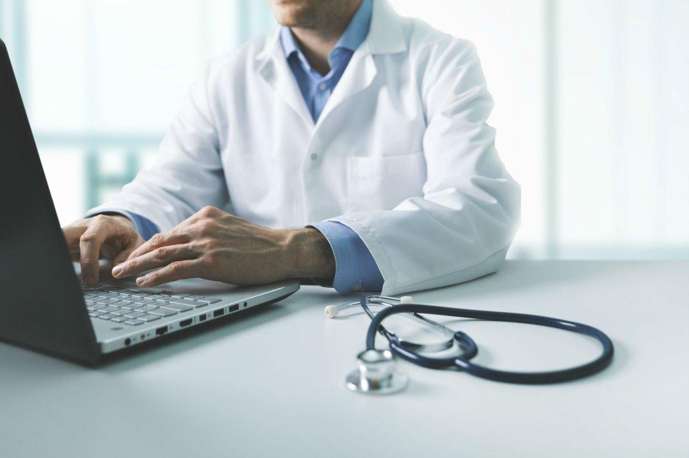 Quels sont les avantages d'un service de médecine d'urgence à domicile ?