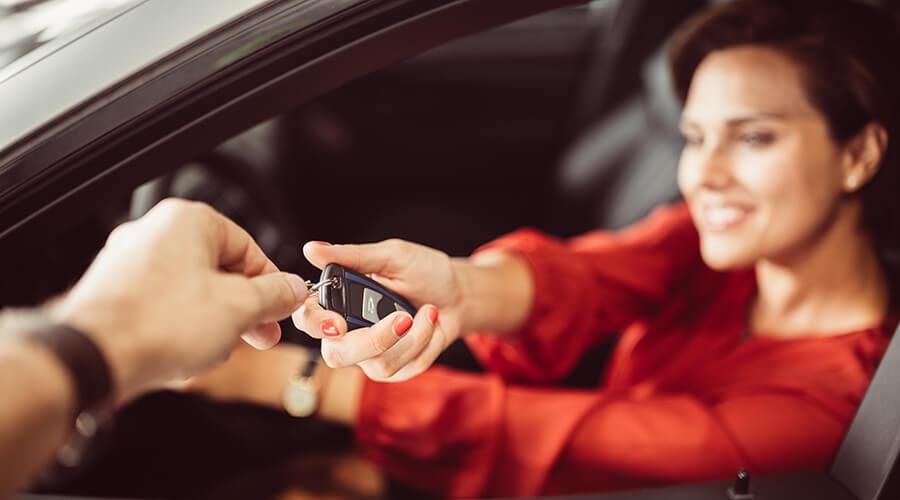 Moyens sûrs d'accepter le paiement lors de la vente de votre voiture