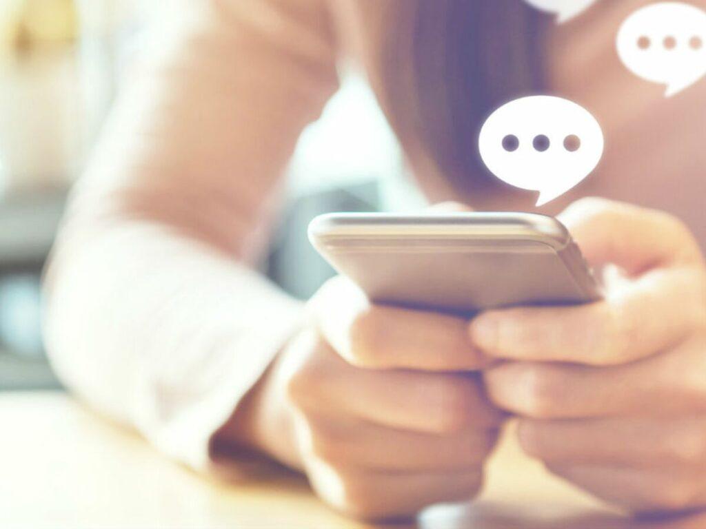 Pourquoi envoyer des SMS en ligne : c'est rapide, efficace et facile !
